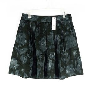 Theory NWT gray floral a-line mini skirt, size 6